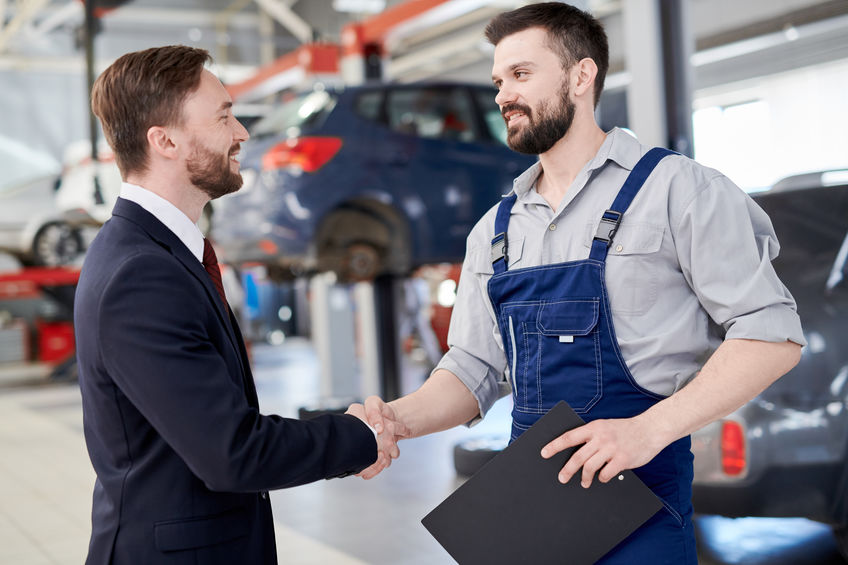 Choosing a Broker For Your Automotive Business: 4 Traits to Look For